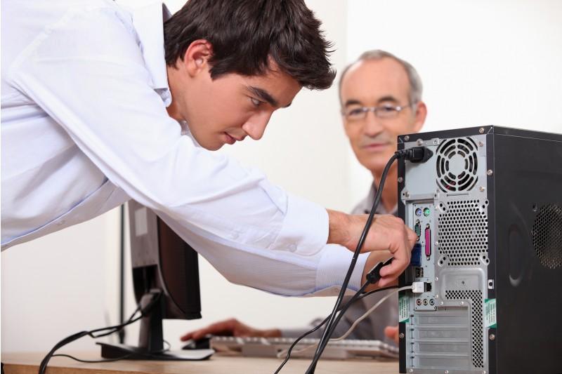 Servizio di Assistenza al PC con Aggiornamento del Sistema Operativo Dg Tech Informatica e Telefonia